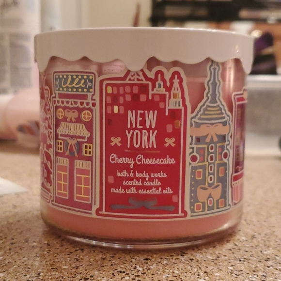 New York Cherry Cheesecake candle